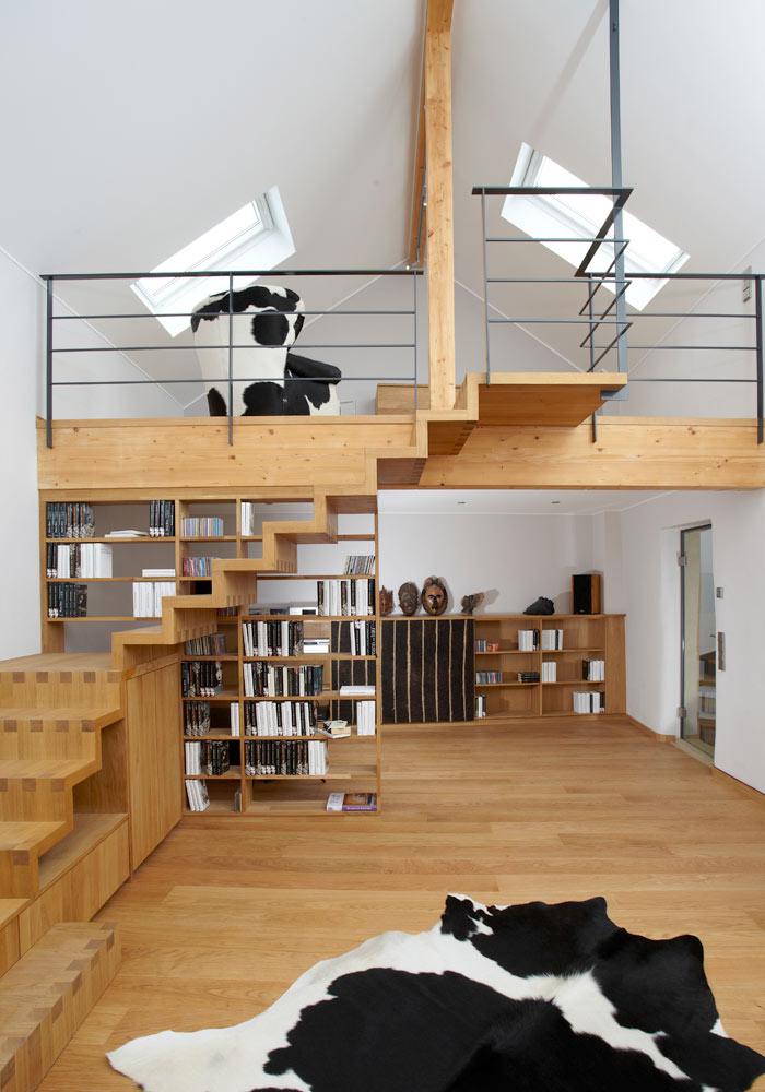 Escaliers et étagères, meubles à vaches